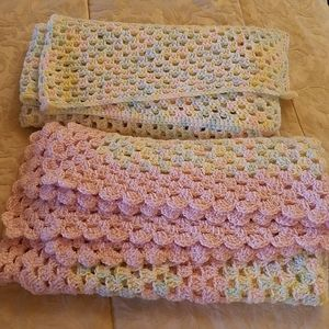 Set of 2 baby blankets